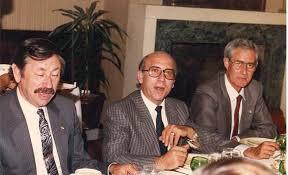 Paco Gilabert entre Mario Bueno y José Antonio Hernán Seijas