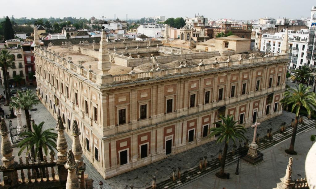 Antigua Casa Lonja de Mercaderes, sede del Archivo General de Indias en Sevilla, alberga la  Exposición 'La carta en el camino', desde el 17 de mayo de 2019.
