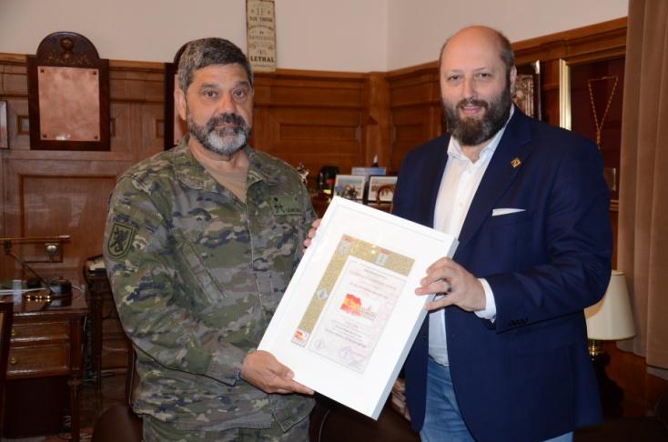 2018 06 12 Con el General Jefe de la FLO